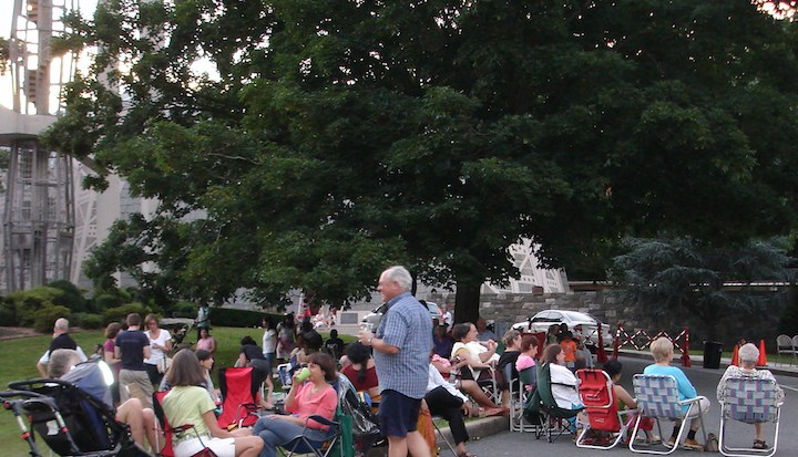 Free concerts on the green at the fish church stamford for Fish stamford ct