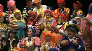 Clowns Prepare for UBS Parade Spectacular