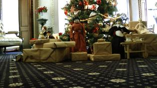 Mansion Exhibits Christmas Through the Decades